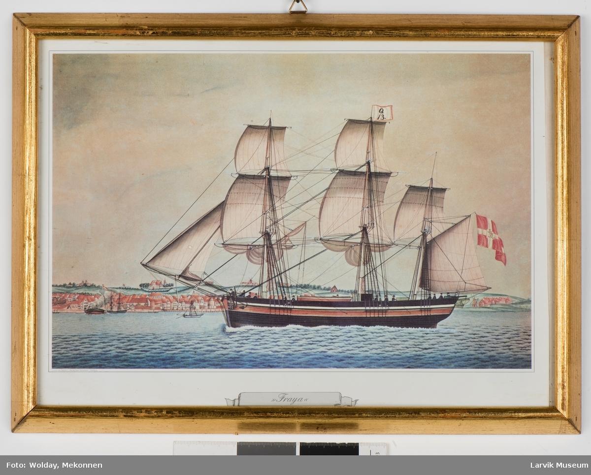 """Seilskuten """"Fraya"""" med dansk flagg"""