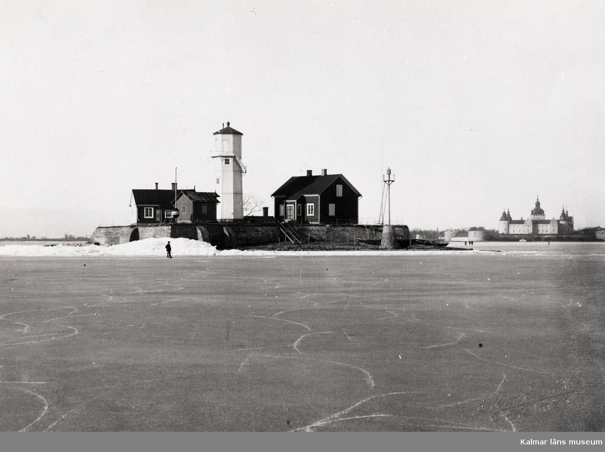 Obs! Husets vita gavel som användes som sjömärke. Tornet byggt 1865. Ombyggt 1884. Rivet 1941?