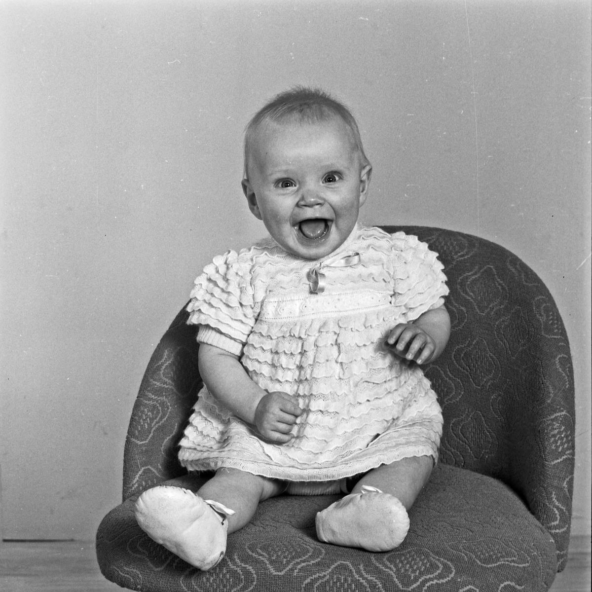 Portrett lite barn - bestiller Liv Andreassen