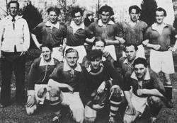 Bäckseda IF 1947 års lag blev 2:a i sin serie. Laget ståen