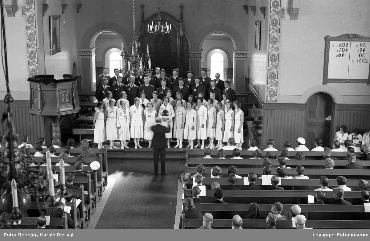 Korsang Levanger kirke.