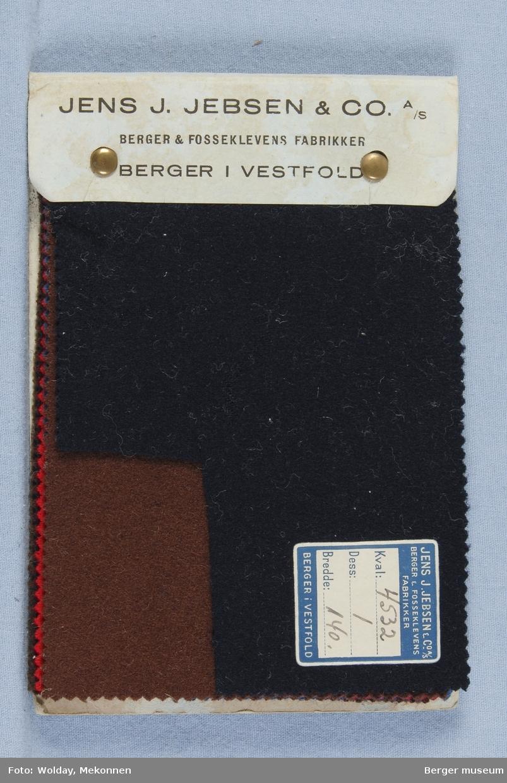 Prøvebok med 7 prøver. Kval. 4532 Bunadsstoff Stykkfarget