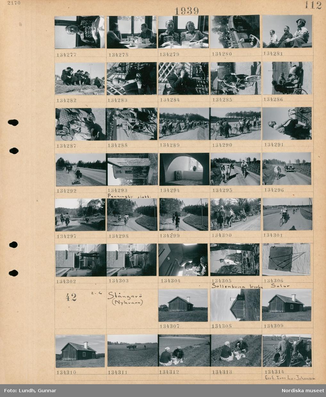 Motiv: Pingstfärd till Mellingeholm; Interiör med kvinnor och män som äter, kvinnor och män står på en bro, porträtt av tre män, en grupp pojkar sitter på en trappa, porträtt av en man troligen fotograf Gunnar Lundh som fotograferar, en grupp kvinnor och män med cyklar, porträtt av en kvinna med cykel, exteriör av Penningby slott, interiör av ett valv och fönster, en ko och en bil på en väg, en grupp kvinnor och män cyklar på en väg, en man vid en buss, interiör av en buss med en kvinna, exteriör av en Sollentuna kyrka, ett solur.  Motiv: Stångarö (Nykvarn) ; Exteriör av ett hus, en man harvar en åker med en oxdragen harv, en kvinna och en man sitter vid en åkerkant och äter, porträtt av författaren Ivar Lo-Johansson står vid två oxar.