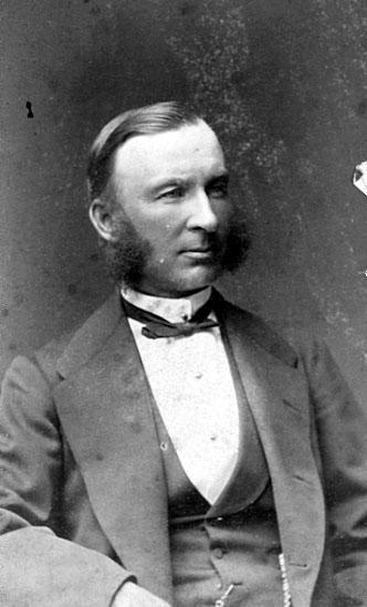 Bildtext: Ivan Naudér, Direktör vid Johannisbergs Lantbruksskola, Flisby. Foto: Wald. Dahlöf, Östra Hamngatan 18, Göteborg, 1875.
