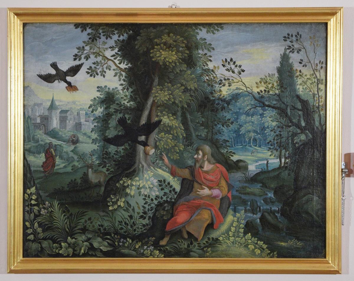 Frodig landskap med skog og hjort. I forgrunnen flyr fra venstre to fugler med mat i nebbet ned til en mannsfigur. I mellomgrunnen til venstre to personer og nak til venstre en by. bekk til venstre.