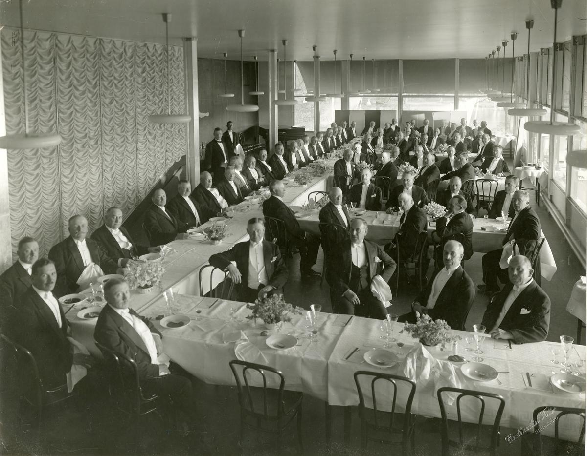 1876 års män firar 10-års minne på Stockholmsutställningens huvudrestaurang den 28 maj 1930.
