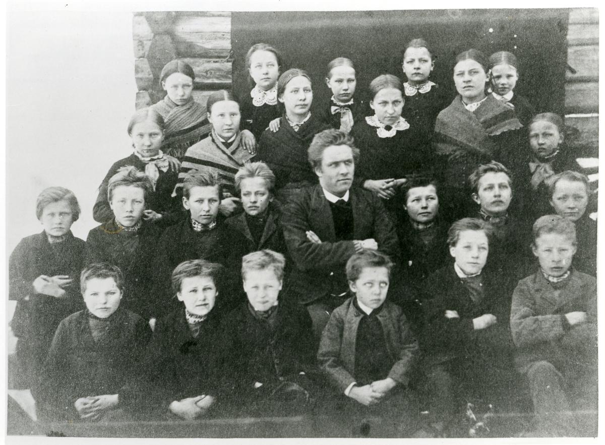 Leirskogen skole, ca. 1885.