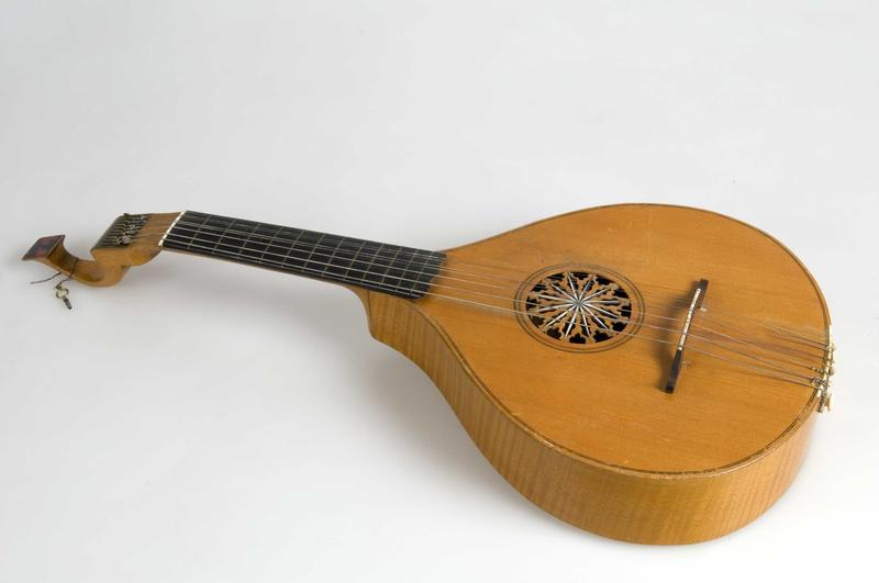English guitar NF.1904-0433A