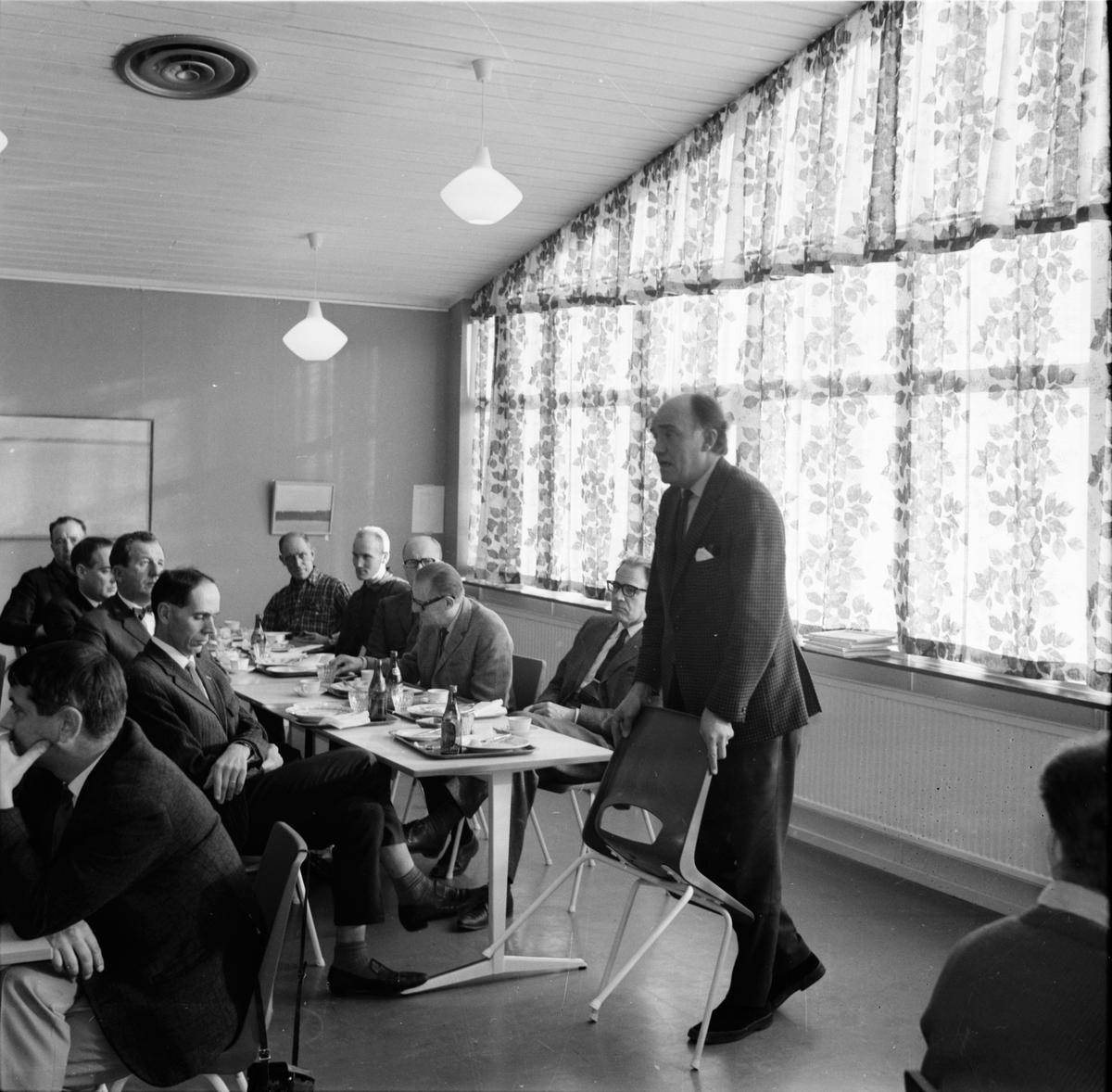 Nytorp. Nya kurser börjar. Oktober 1970