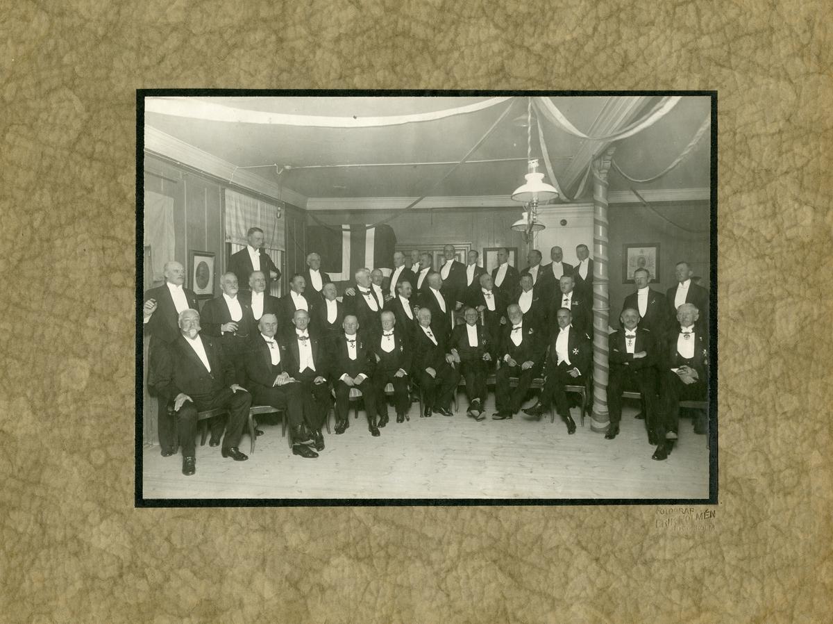 Svea ingenjörkår Ing 1 på avskedsmiddag i samband med kårens flytt till Sandvik, 1924.