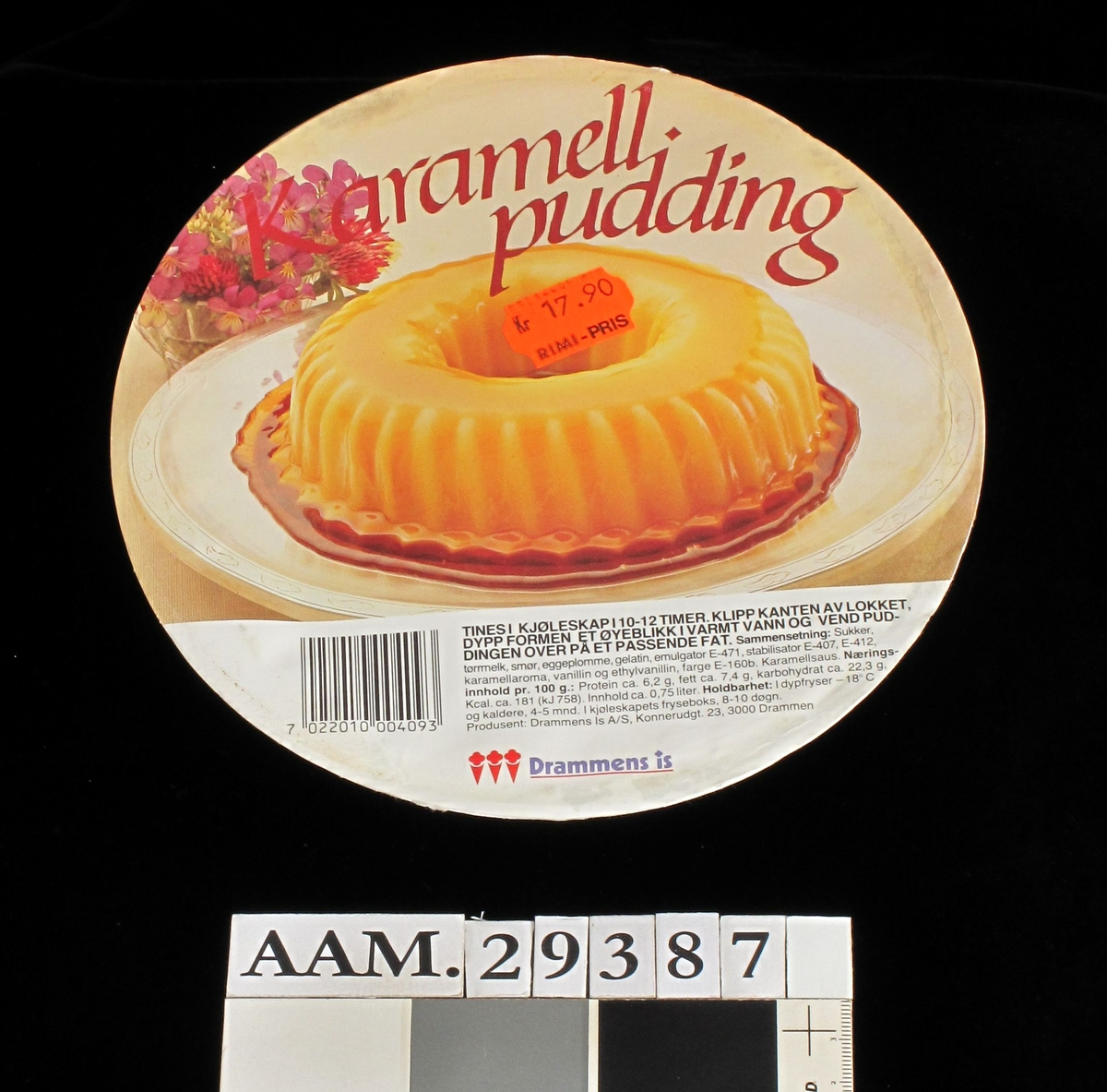 Karamellpudding på fat.