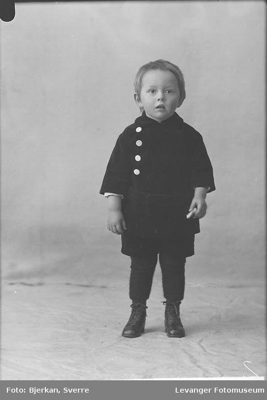 Portrett av Larsens sønn navn ukjent