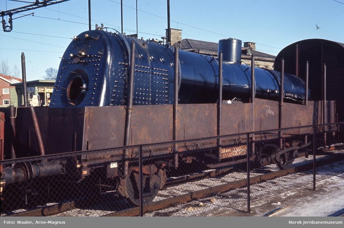 Dampkjel fra lokomotiv type 26c nr. 397 opplastet på godsvogn litra Tl4