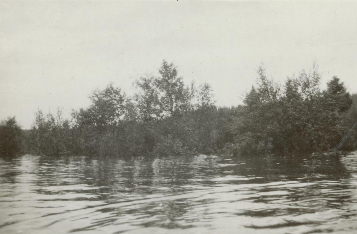 """Bildtext: """"Översvämning i Rörvattnet""""."""