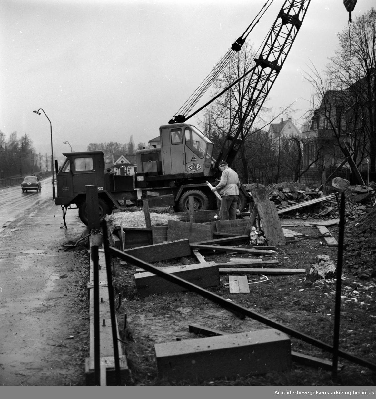 Sørkedalsveien utvides. November 1959