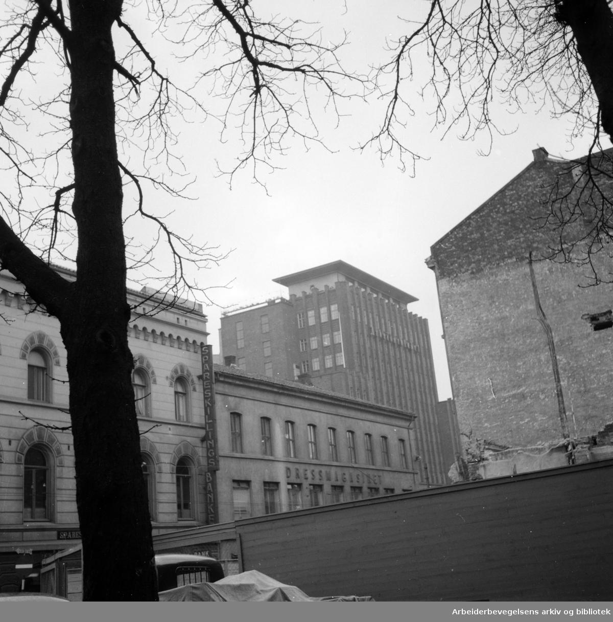 Torggata 14. (Gamle Oslo Arbeidersamfund) rives. Mars 1955
