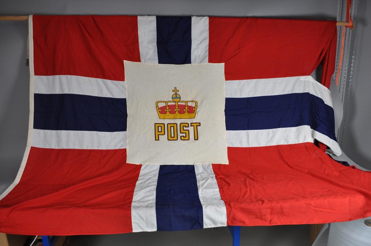 Splittflagg med posthorn.