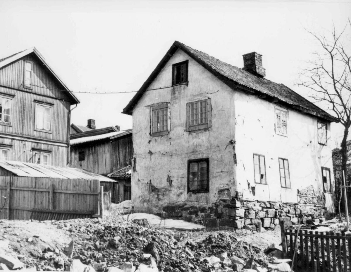 Repro: Fiskehandlergården, gammel bakgårdsbygning i Lillehammer.