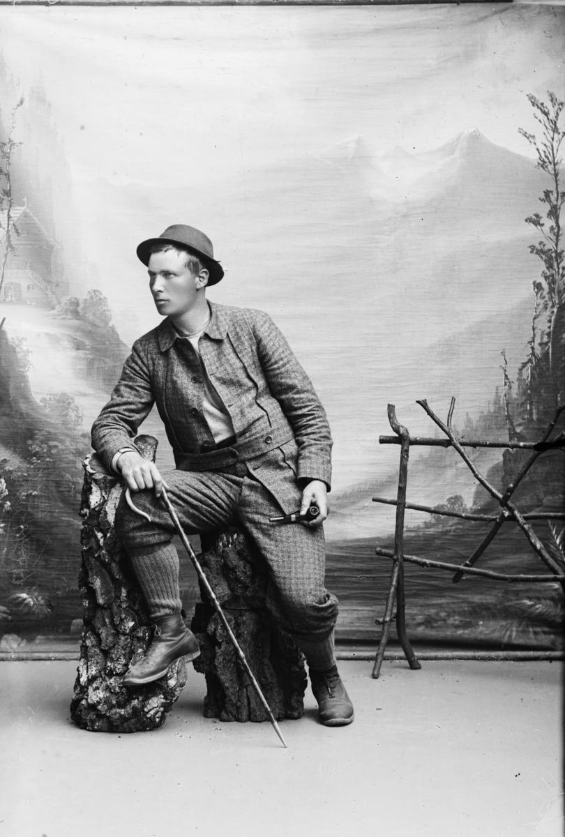 Portrett av Hans Holen med krokstav.