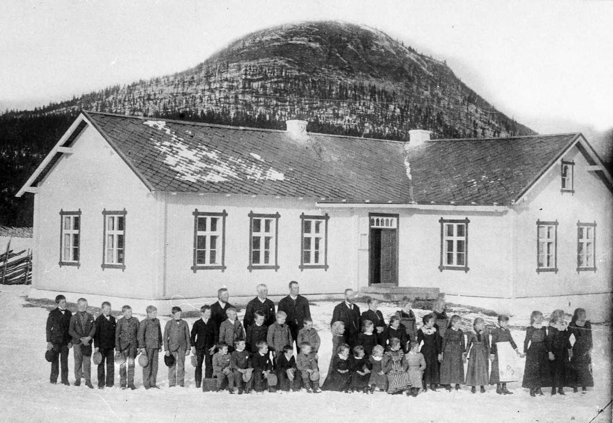 Skoleklasse ved Grimsbu skole.