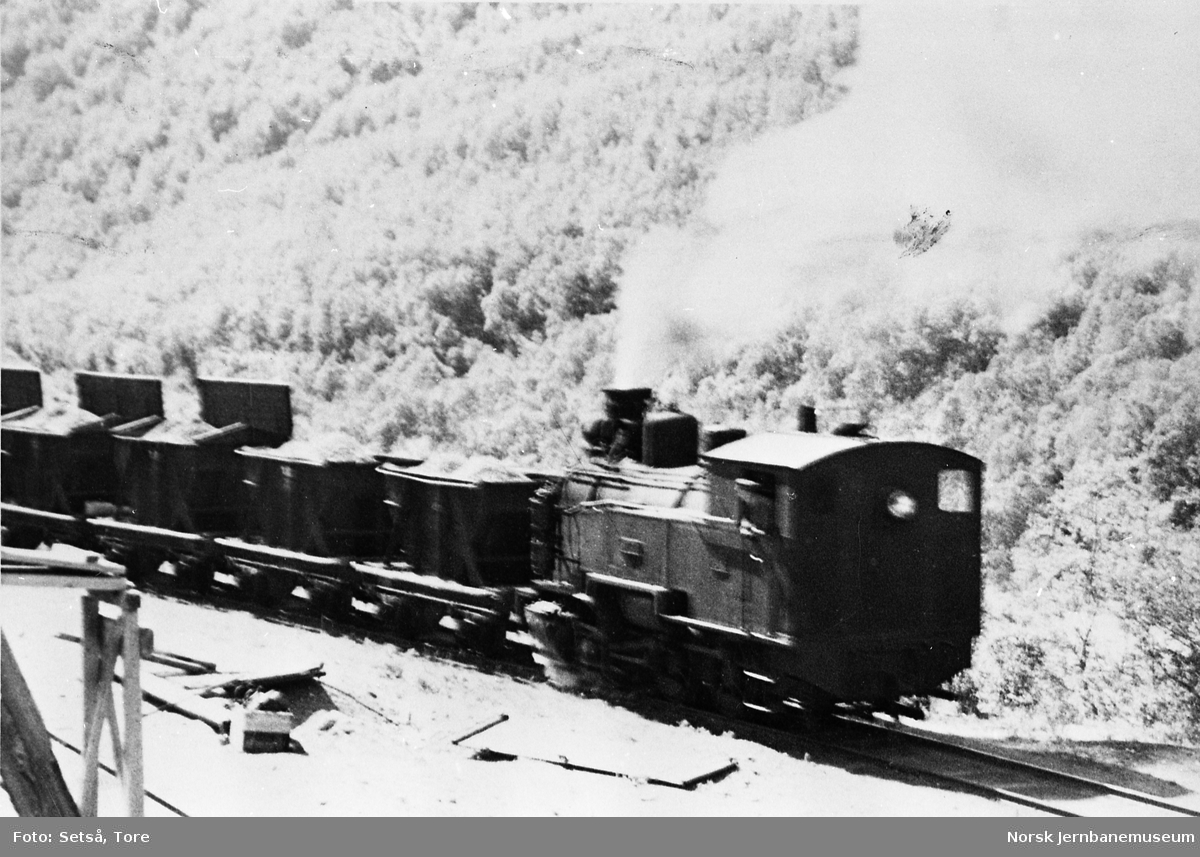 Damplokomotivet SAULO med grustog