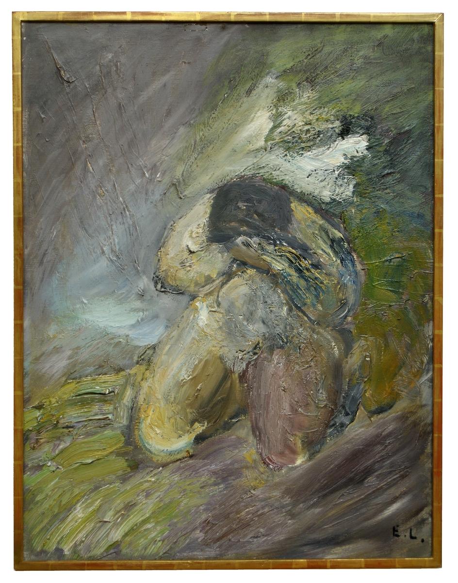 """Oljemålning, """"Sorg"""" av Evert Lundqvist, 1967. Mått; Bredd 89 cm, häjd 115 cm. Målningen framställer en starkt siliserad mänsklig figur, knäböjande och döljande huvudet i händerna. Bilden är hållen i dova färger med grönt och jordfärger som dominanta."""