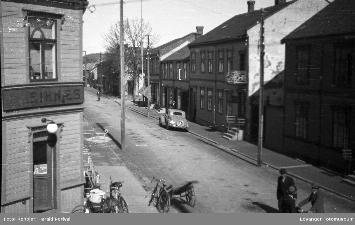 Leiknæshjøret, hjørnet  Brugata Håkonden godes gate.