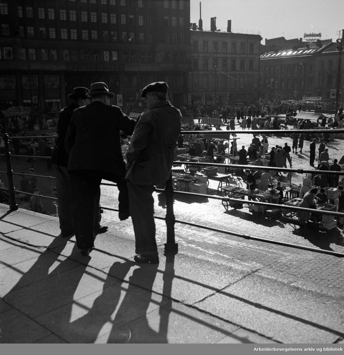 Youngstorget sett fra Youngsbakken. Oktober 1950