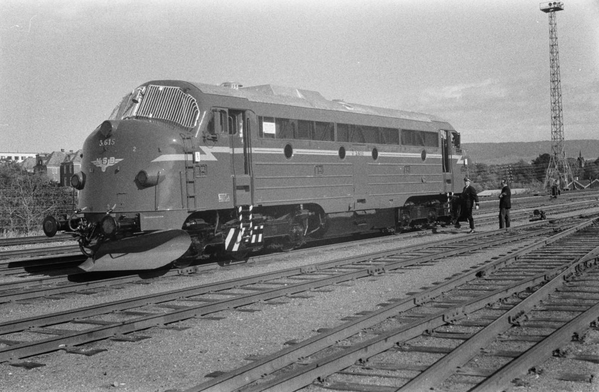 Nylevert diesellokomotiv type Di 3 nr. 615.