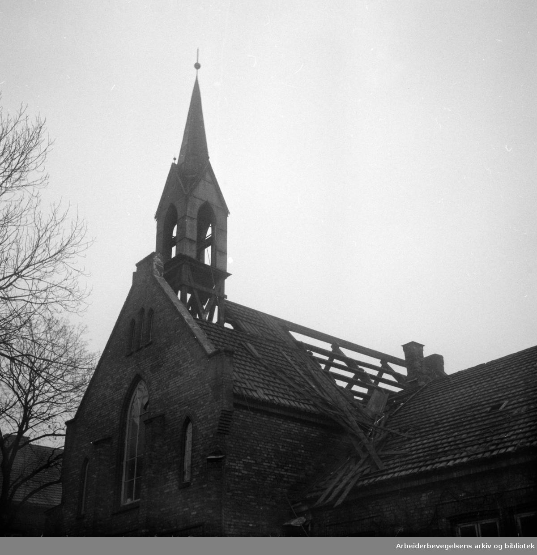 Kroghstøtten Kapell rives. Februar 1955