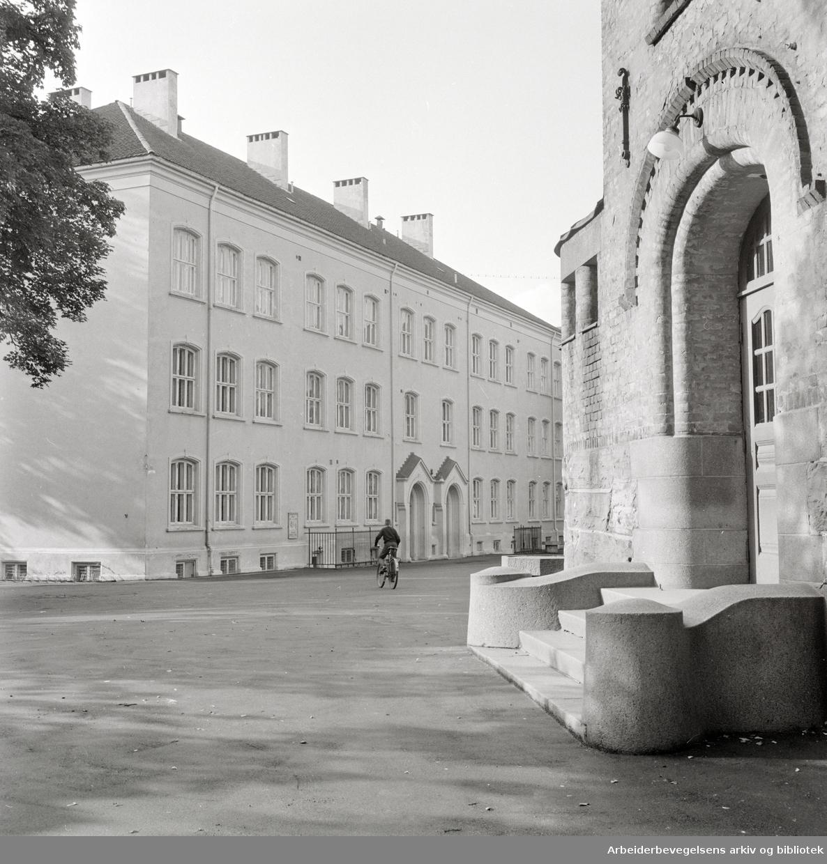 Gamlebyen. Gamlebyen Skole. August 1963