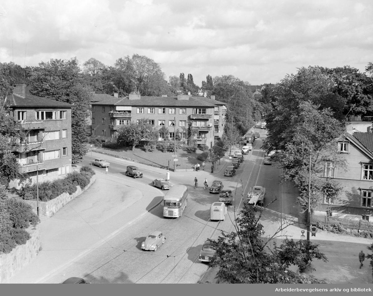 Drammensveien, diverse. Drammensveien/ Halfdan Svartesgate. August 1954
