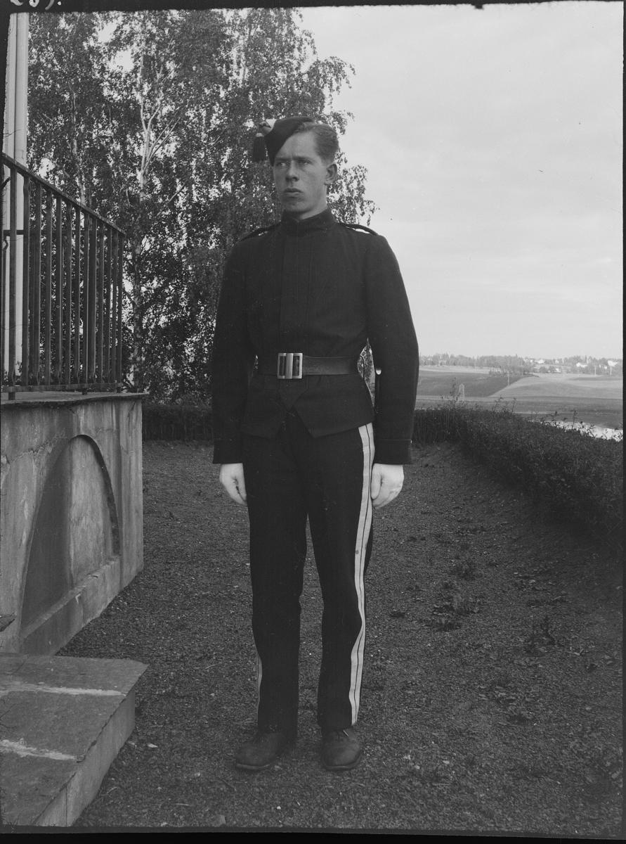 Andreas Diesen, gardist, portrett