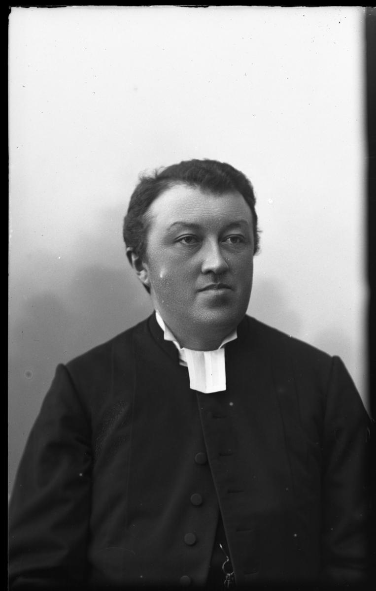 Kyrkoherde Oskar Elis Kjersén