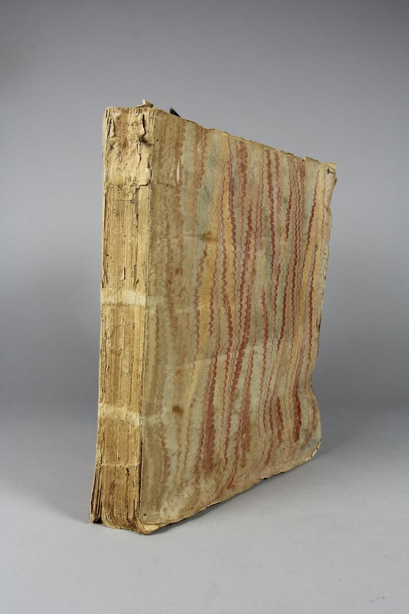 """Bok, häftad,""""Annales d´Espagne et de Portugal"""", del 4. Pärmar av marmorerat papper, oskuret snitt. Blekt och skadad rygg."""