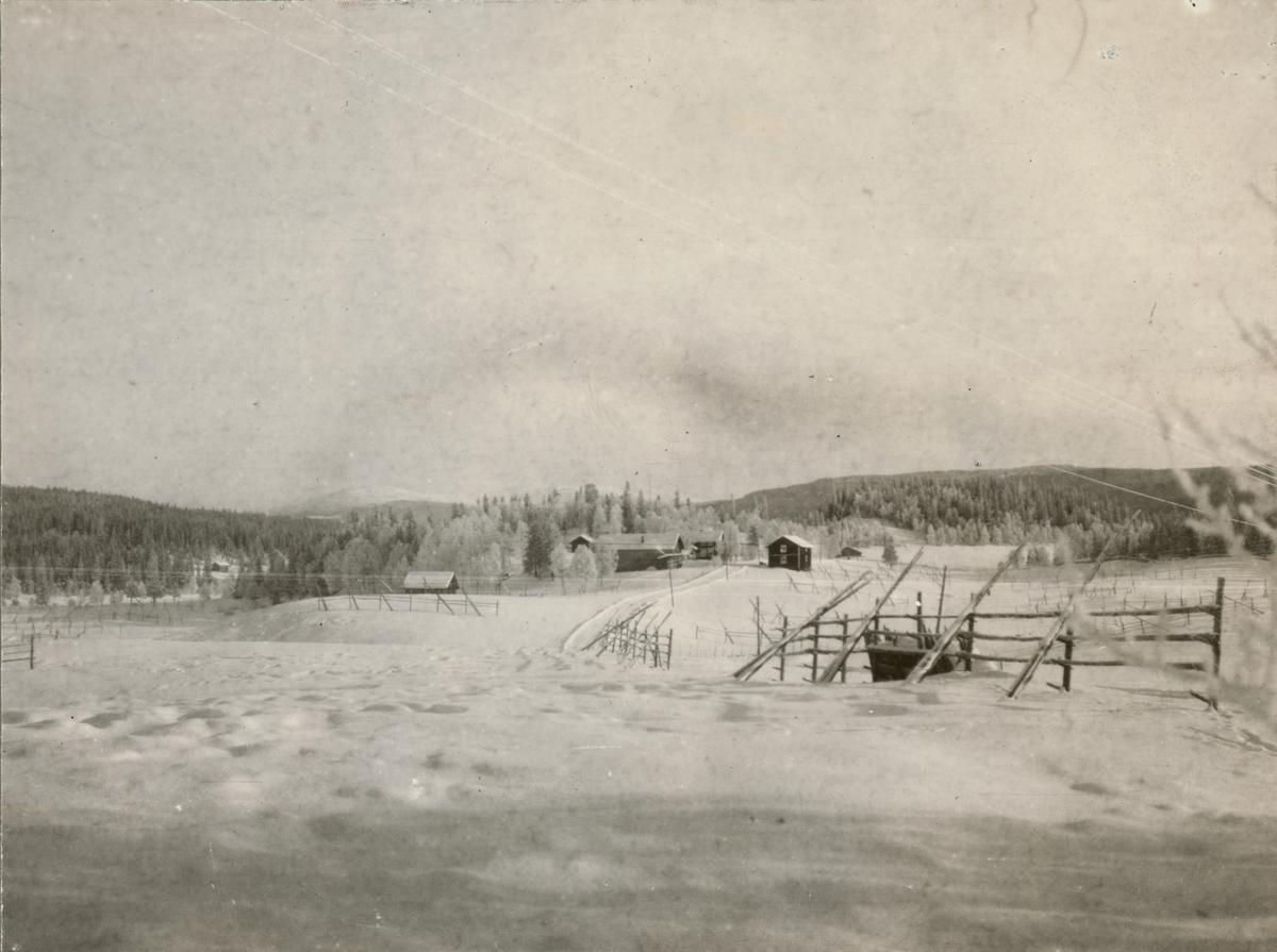"""Text i fotoalbum: """"IV. arméfördelningens fältövningar vid Duved-Storlien 13.-23. Feb. 1922""""."""