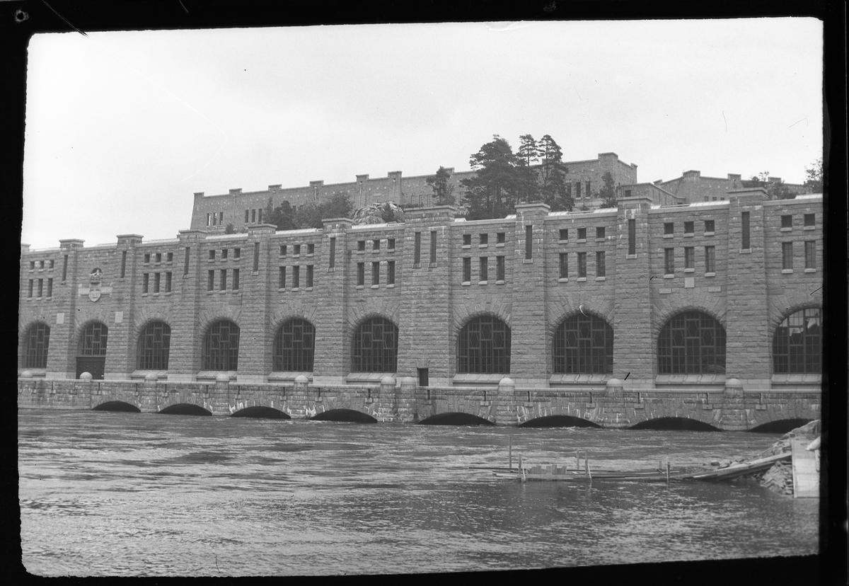 """Olidans kraftverk i Trollhättan. I fotografens egna anteckningar står det: """"Resa Trollhättan - Lilla Edet."""""""