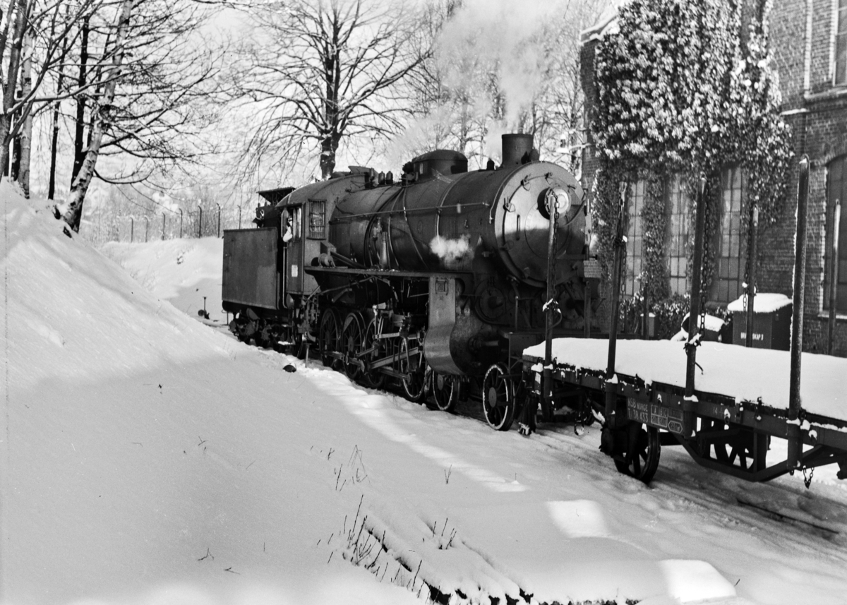 Damplokomotiv type 31b nr. 400 ved verkstedet på Kronstad ved Bergen.