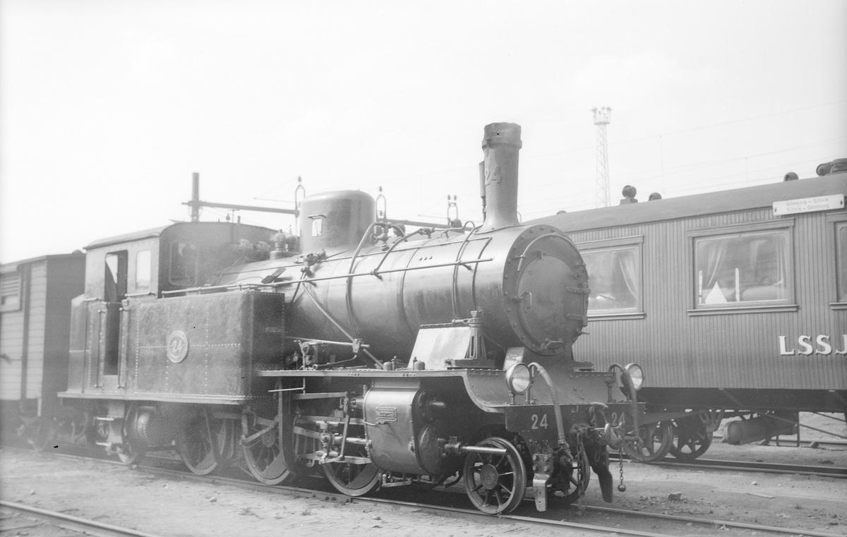 Stockholm - Roslagens Järnvägar, SRJ lok 24. Uthyrt till SJ 1951 - 1953.