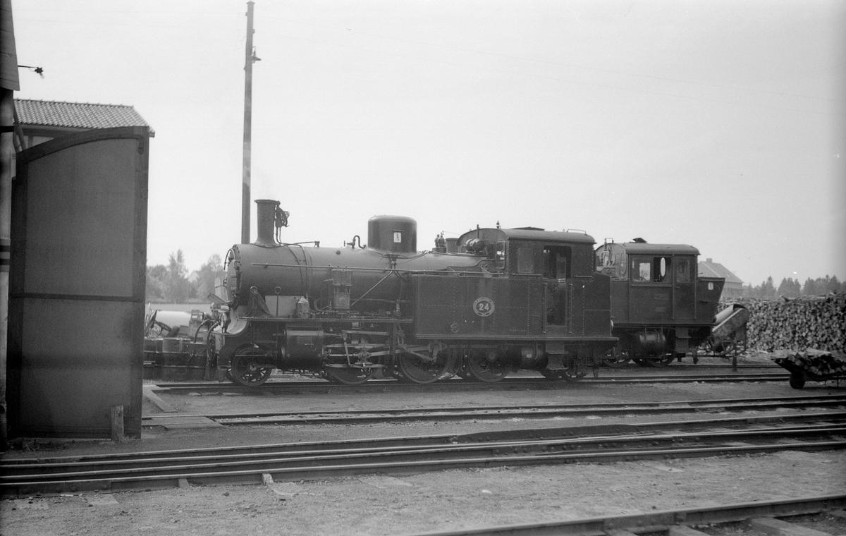 Stockholm - Roslagens Järnvägar, SRJ lok 24.