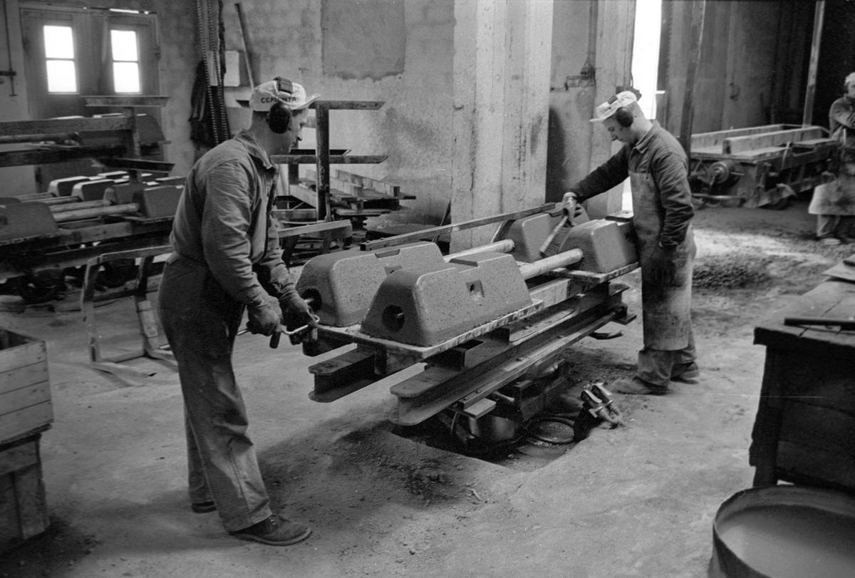 Tillverkning av betongsliper. A-Betong, Vislanda