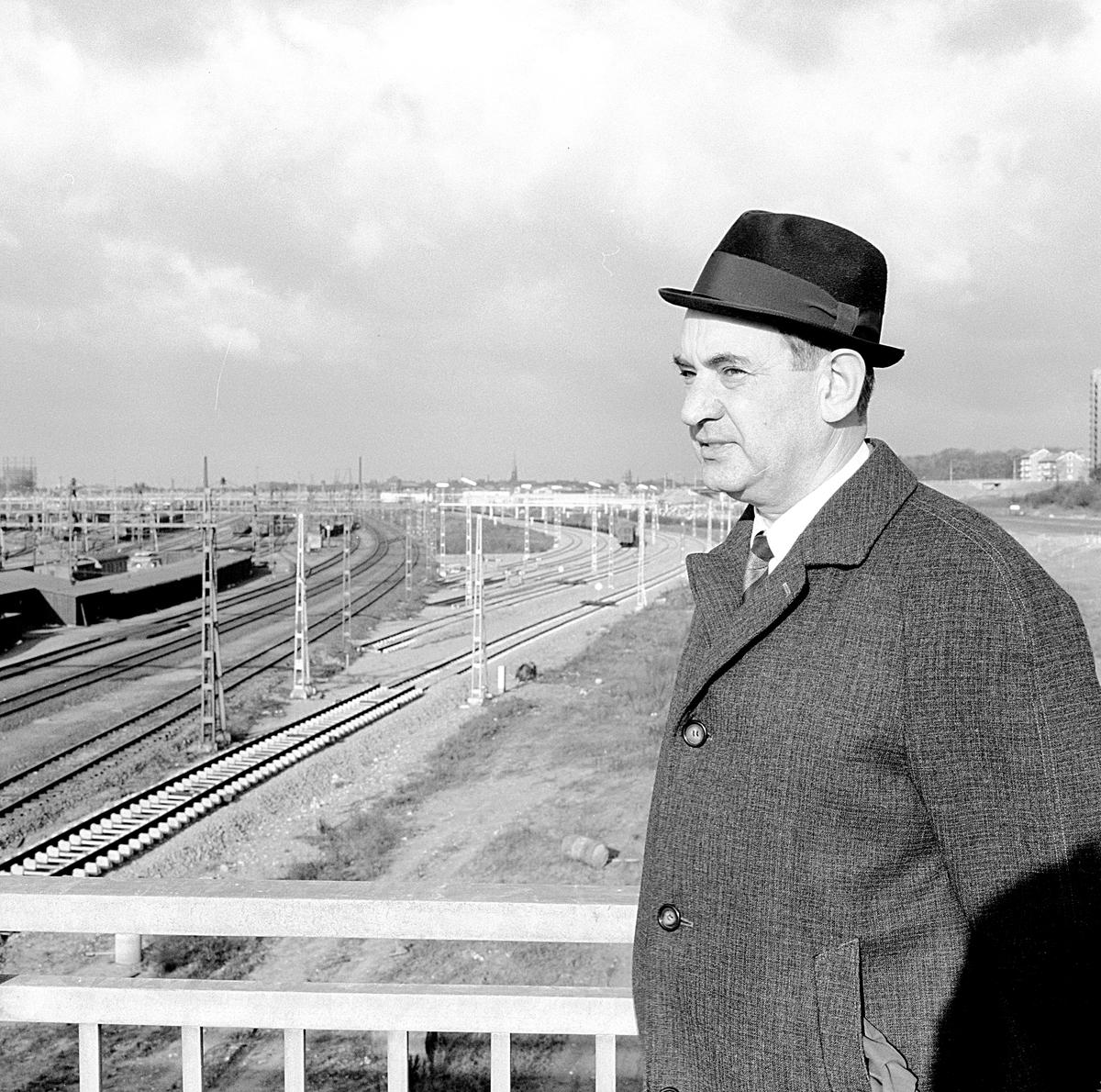 Bildporträtt av tjänsteman vid Statens Järnvägar, SJ,