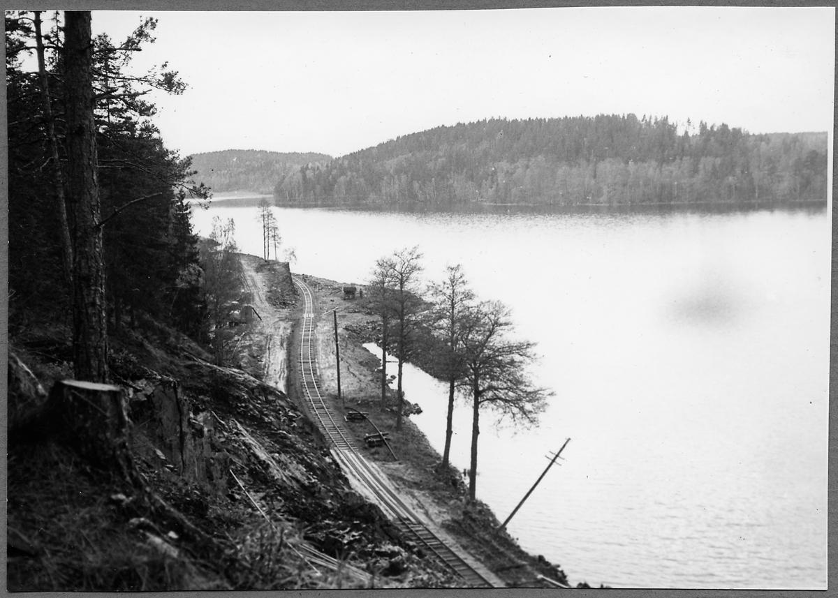 Arbete på linjen Forsaström - Falerum vid Båtsjön för breddning år 1962