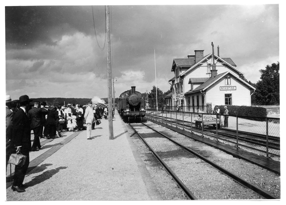 Oxelösund - Flen - Västmanlands Järnväg, OFWJ S3 52 vid Nyköping Södra station.