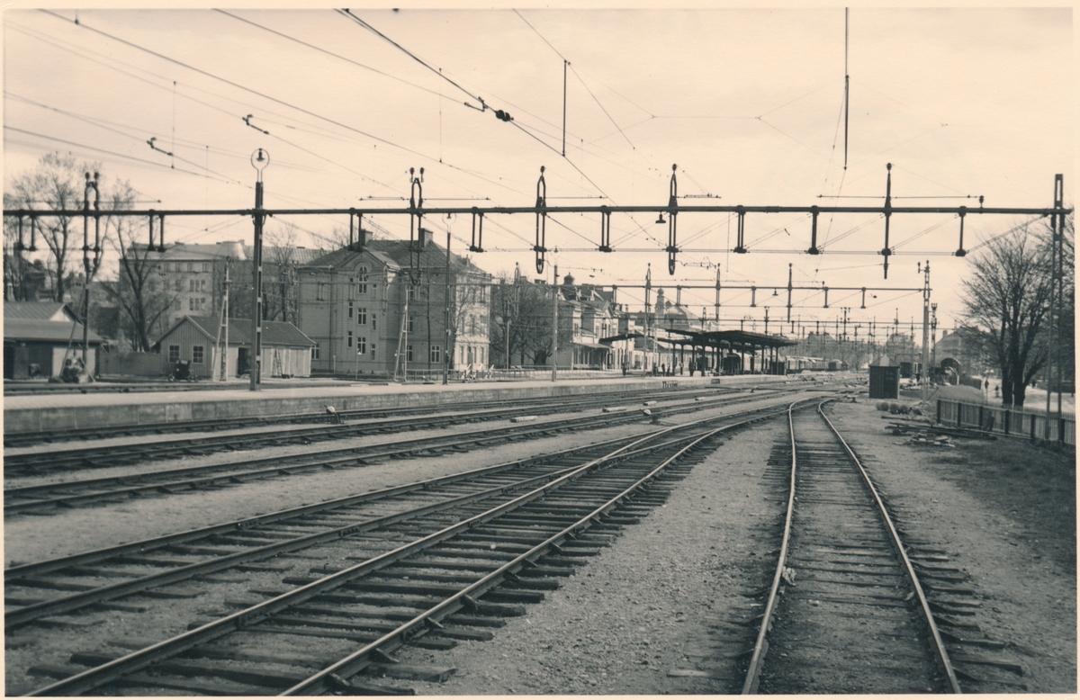 Örebro central. Statens Järnvägar, SJ. Eldrift 1932.