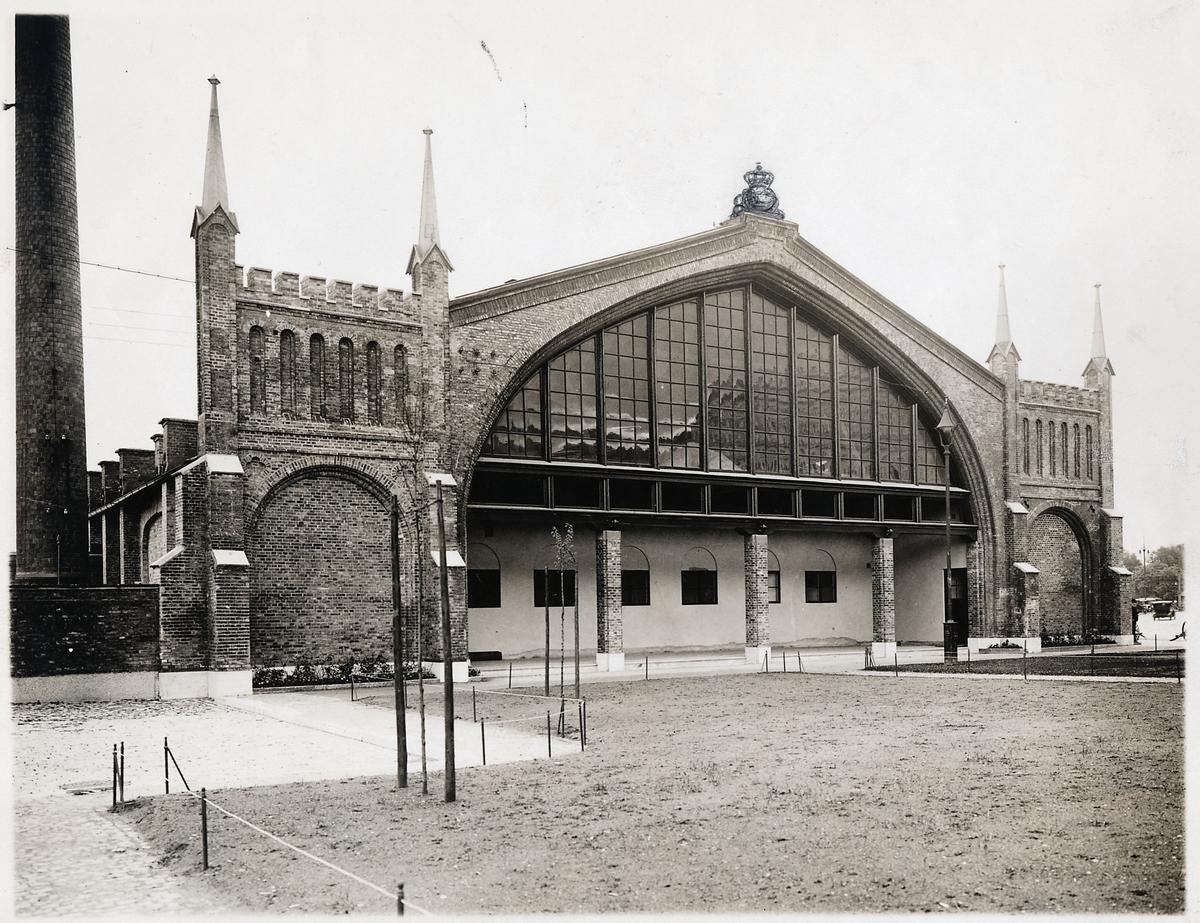 Göteborgs centralstation, banhallens västra gavel