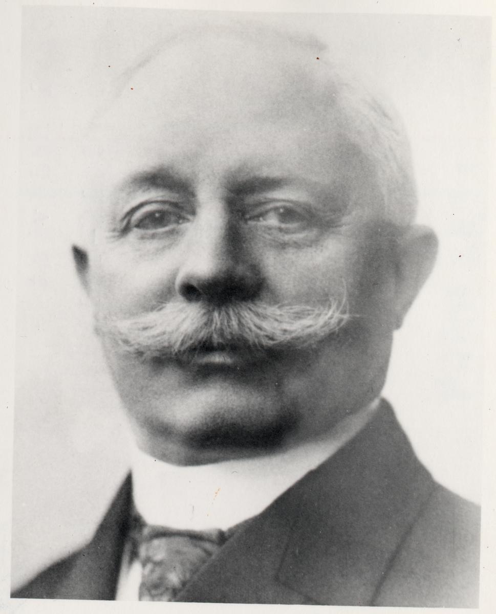 Stins Carl Hedqvist.