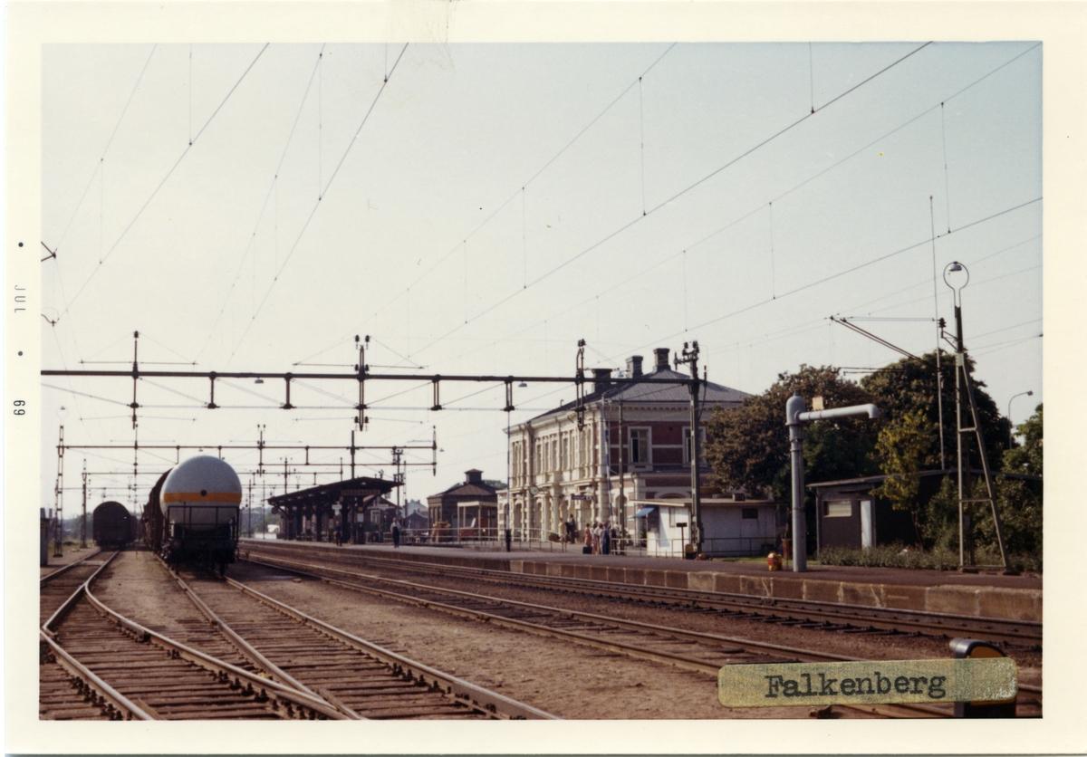 Stationshus byggdes 1894. Stationen ombygd 1924. Arkitekt Adian Petersson