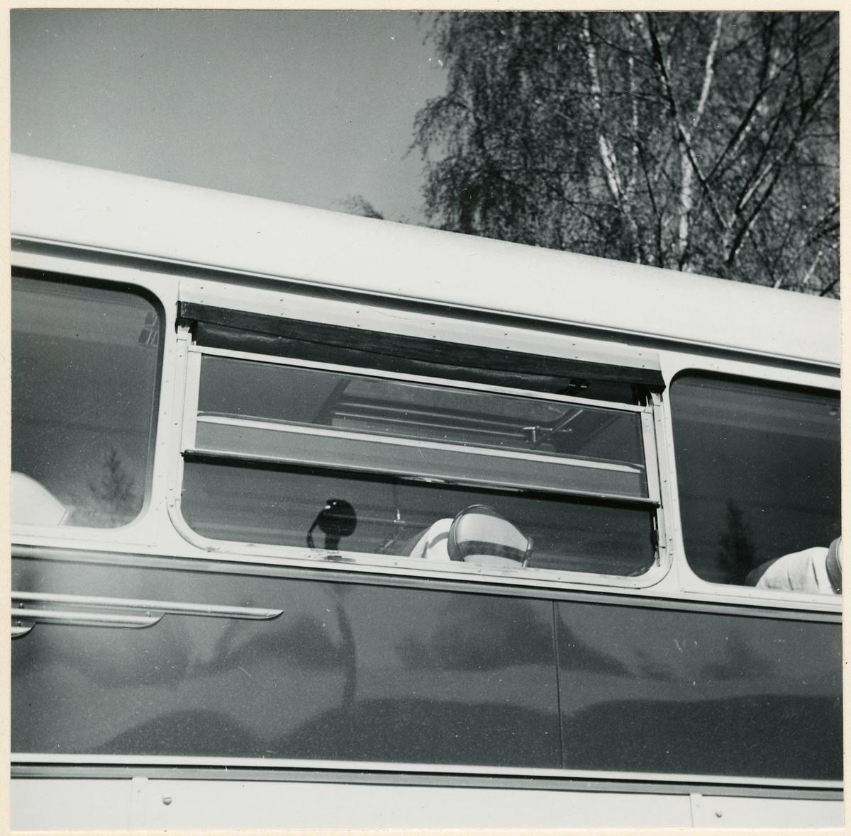 Detaljbild på buss.