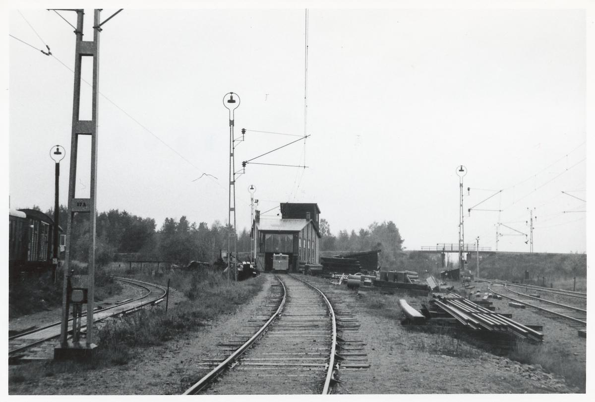 Lokstall vid Hamrångefjärden.